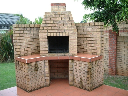Construire un barbecue en pierre for Construire barbecue exterieur